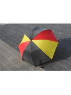 Regenschirm in Deutschlandfarben